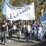 Los judiciales realizaron un nuevo paro y movilización para reclamar reapertura de paritarias y devolución de los descuentos por paro. El lunes asambleas para analizar cómo seguir la lucha.